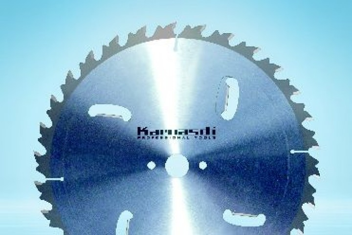 Zuschnitt Sägeblatt D=300 mm + 4 HM Räumschneiden